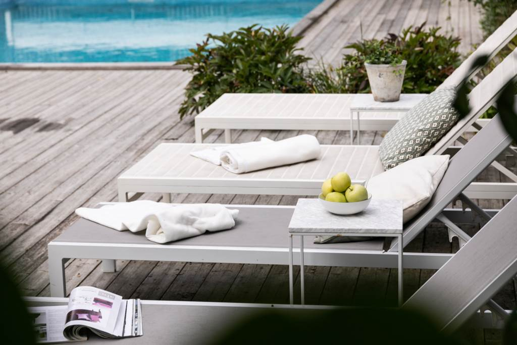 Smakfull 30-talsvilla om 237 kvm med mycket charm, plan trädgårdstomt och stor pool!