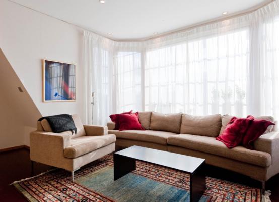Villa 189 kvm – nyrenoverad livskvalitet i Mälarhöjden