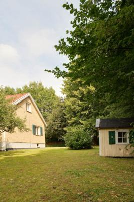 60-talsvilla med stor tomt och nära till allt