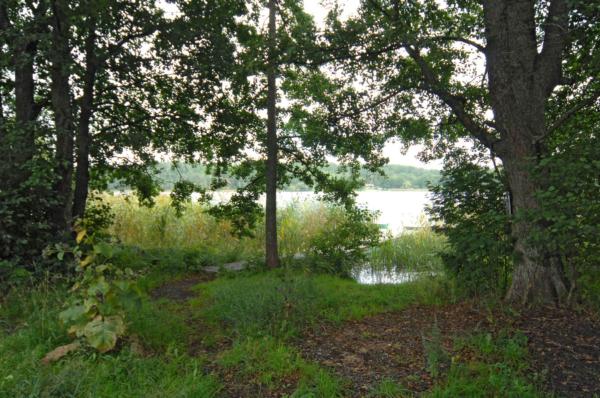 Nyproducerat stenhus nära Rönningsjön