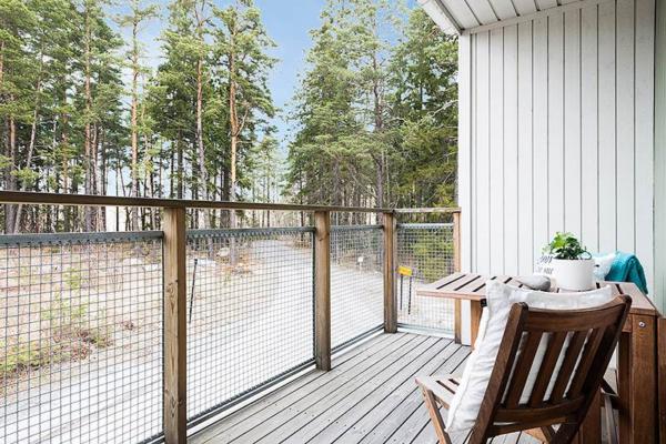 Unik arkitektritad villa med härligt läge mot skogen och allmänning!