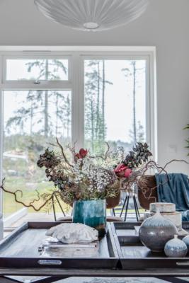 Nyproducerad villa i Svinninge, med påkostad interiör och utsökt läge.