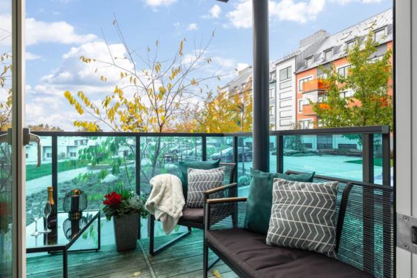 Mycket välplanerad 2:a med stor balkong.