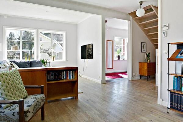 Tillbyggd 20-talsvilla 8 rum och massor av charm!