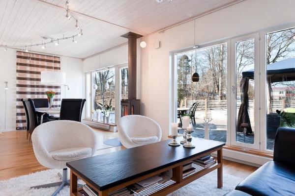 Villa 6 rum med ostörd uteplats i Silverdals Ekbacke!