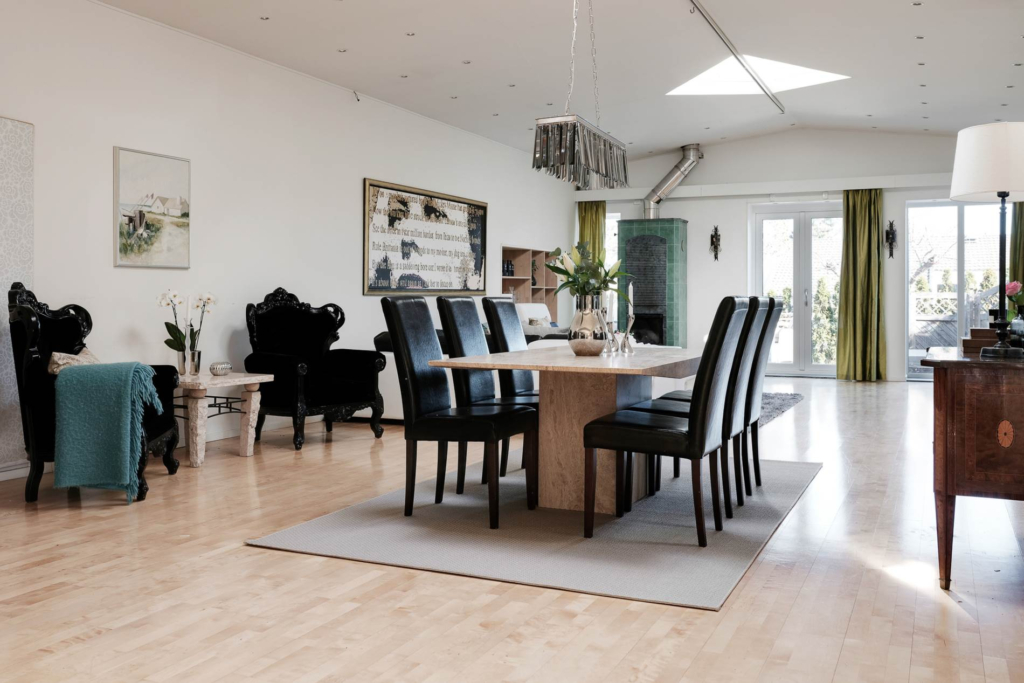 Stilfull bostad med villakänsla, 5 rum, bastu och utejacuzzi!