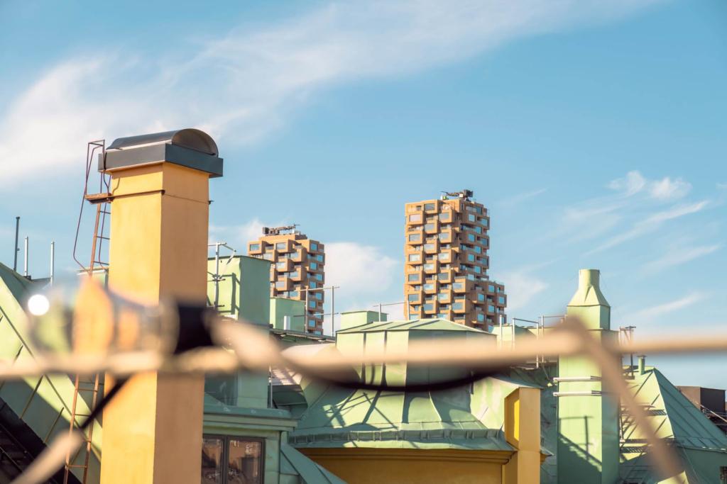 Vindsvåning med terrass och härlig vy över Vasastans takåsar